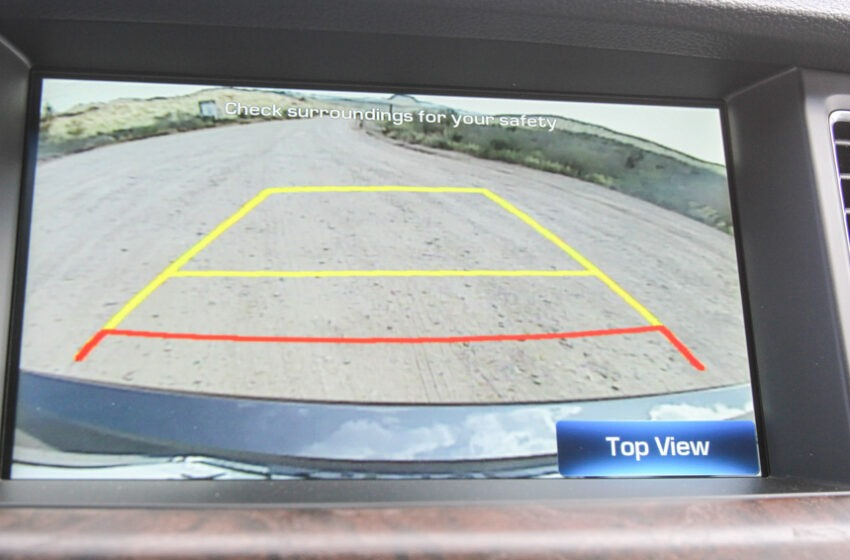 Why night vision is a must have feature for installing a reverse camera in car?